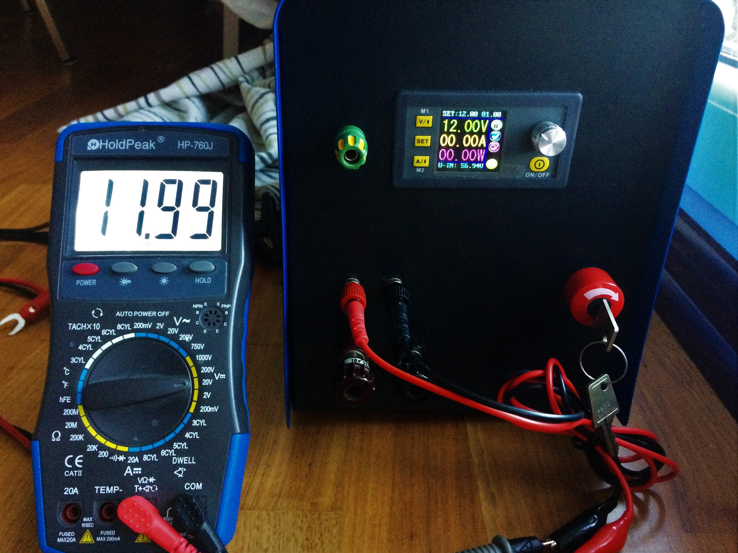 DPS5015 mit Multimeter geprüft.
